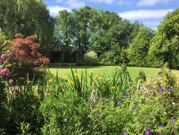 Garden at Linford Stables B&B Milton Keynes