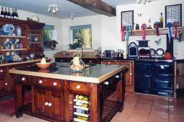 Farmhouse Kitchen at Linford Stables B and B Milton Keynes MK17 0RB